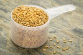 Gold flax seeds — Stock Photo