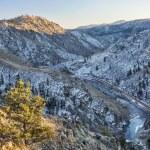 ������, ������: Cache la Poudre River Canyon