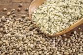 Hemp seeds and hearts — Stock Photo