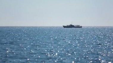Ship sails on sea — Stock Video