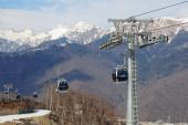Mountain lift to the ski resort Rosa Khutor in Krasnaya Polyana — Stock Photo