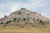 Ruins of medieval Genoese fortress — Foto Stock
