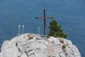 Orthodox cross on mount Ai-Petri — Stock Photo