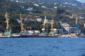 Cargo-passenger Yalta port — Stok fotoğraf