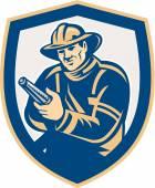Fireman Firefighter Aiming Fire Hose Shield Retro — Stock Vector