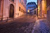 Calcada da Gloria Street at Dusk in Lisbon — Stock Photo