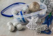 Kerstballen en decoraties — Stockfoto