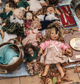 Characteristic vintage dolls — Stock Photo