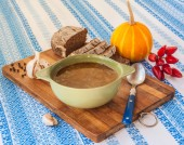 Pumpkin soup with pepper and garlic — Stock Photo