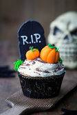 Halloween cupcake — Stock Photo