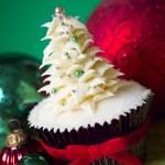 Christmas tree cupcake — Stock Photo #56738161