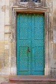 リヴィウ、ウクライナでドミニカ共和国の大聖堂の扉 — ストック写真