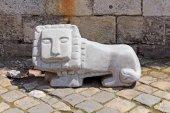 Statue of little lion in Lviv, Ukraine — Stock Photo
