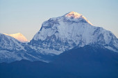 Dhaulagiri Himalaya, Nepal. South Face of Dhaulagiri seen from Poon Hill — ストック写真