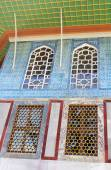Tiles in Baghdad Kiosk situated in the Topkapi Palace in Istanbul, Turkey — Stock Photo