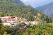 Small town of Litohoro near Mount Olympus in Greece — Stock Photo