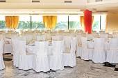 Area di ricevimento di nozze fantasia pronto per gli ospiti ed il partito — Foto Stock