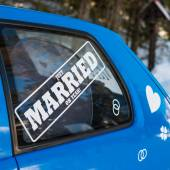 Just married text on car window — Stock Photo