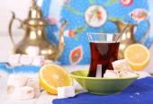 Tea with Turkish Delight and lemon — 图库照片
