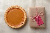 Pumpkin Pie and Present — Stock Photo
