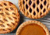 Pies on Cooling Racks — Stock Photo
