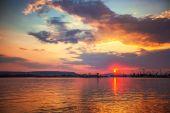Beautiful cloudscape over the sea, sunset shot — Stockfoto