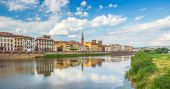 View of Ponte Vecchio with reflections in Arno River, Florence,  — Stok fotoğraf