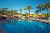 Beautiful swimming pool in tropical resort , Punta Cana, Dominic — Stock Photo