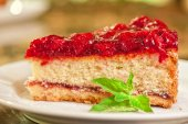 Cake with berrys — Stock Photo