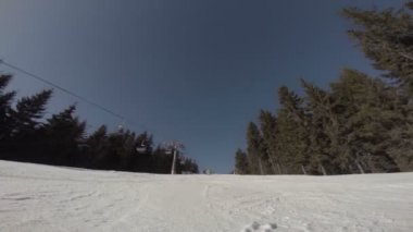 Snowboarder sliding down the hill — Stock Video