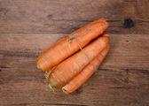 有机生吃胡萝卜的仿古木 — 图库照片