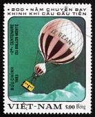 Postage stamp Vietnam 1983 Hot-air Balloon Le Geant — Stock Photo
