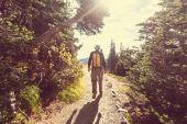 Caminata en las montañas — Foto de Stock