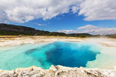 Hot spring in Yellowstone — Stock Photo