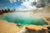 Yellowstone  Park hot spring — Stock Photo