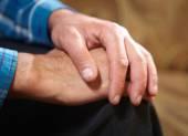 Ręce starego człowieka — Zdjęcie stockowe