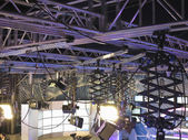 Structures of tv studio illumination equipment and projectors — Stock Photo