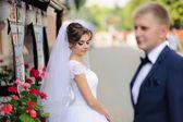 Mutlu gelin ve Damat Düğün üzerinde — Stok fotoğraf