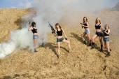 Beautiful army girls  with guns — Stockfoto