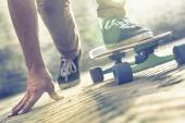 Skateboarder riding skateboard — Stock Photo