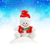 Smiling Generic Christmas Snowman Toy sitting on snow pile — Foto Stock