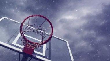 Basketbalový koš s klecí s sněžení — Stock video