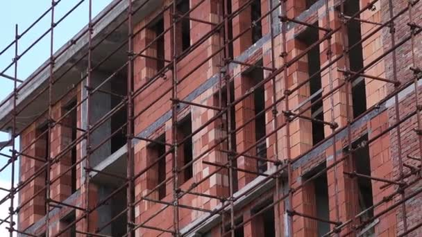 Construction Site, Residential Building and Scaffolding — Vídeo de stock