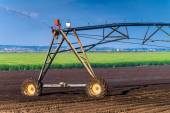 Automated Farming Irrigation Sprinklers System in Operation — Stock Photo