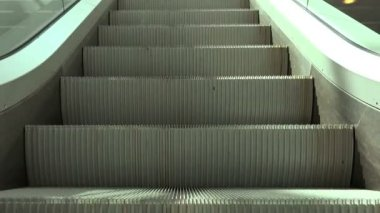 Escalators in Modern Urban Interior, Moving Staircase — Stock Video