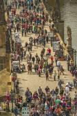 Tourists at Prague Charles Bridge — Stock Photo