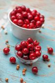 Sweet Cherry in Bowl on Rustic Table — Stock Photo