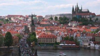 Prague Castle and Saint Vitus Cathedral — Stock Video