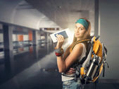 Traveler woman — Stock Photo