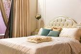 Vintage bedroom interior — Stock Photo